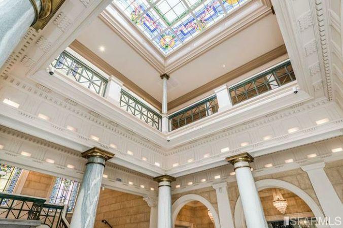 photo of the atrium at 3800 Washington Street, San Francisco Real estate for sale