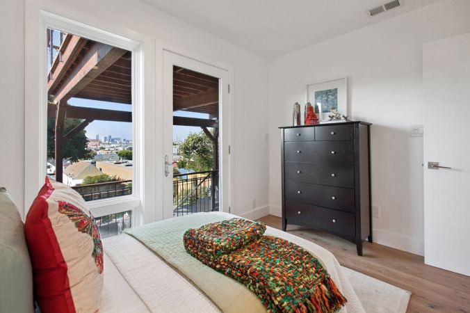 164 Peralta bedroom with garden access and views